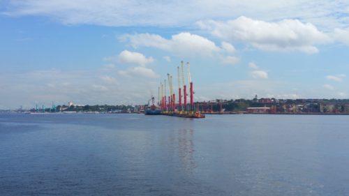 Grues de porte containers du port de Manaus