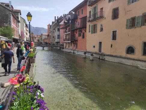 Bord du canal du Thiou