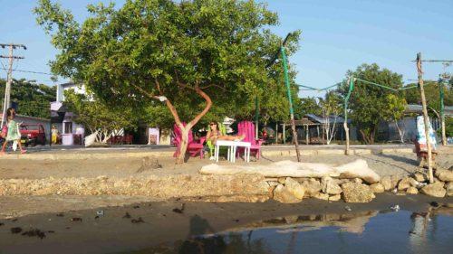 Profitant de la plage de Tolu