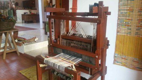 Machine à tisser en bois