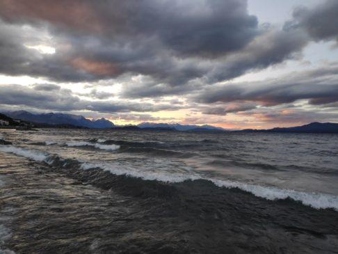 Coucher de soleil sur le Lac Nahuel Huapi à Bariloche