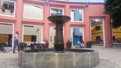 Fontaine sur une place