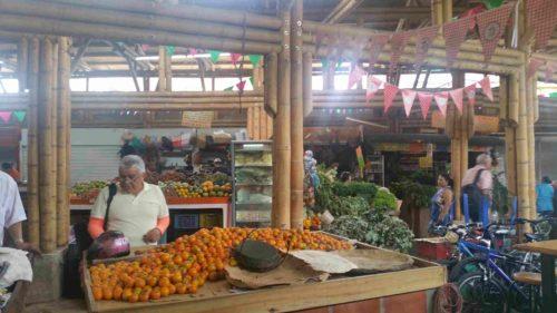 Étals de marché de légume
