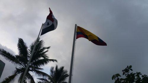 Drapeaux de la colombie et du panama