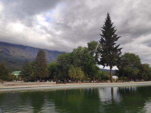 Petit lac de la place centrale d'El Bolson