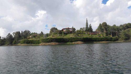 Sur le lac de Gutapé