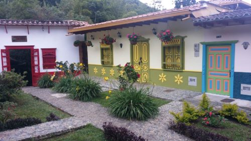 Façade de maison colorée