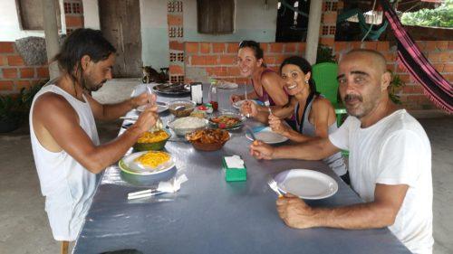 Déjeuner avec les guides