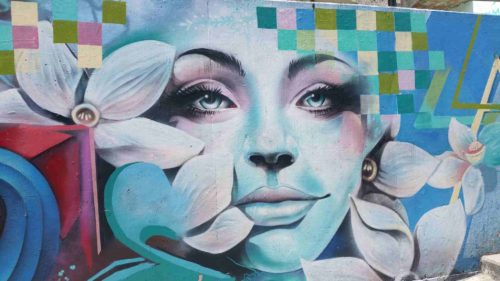 Peinture d'un visage de femme