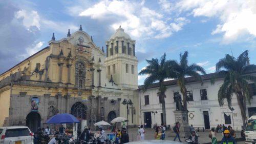 Une église en rénovation à Popayan