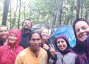 Groupe du trek dans la jungle