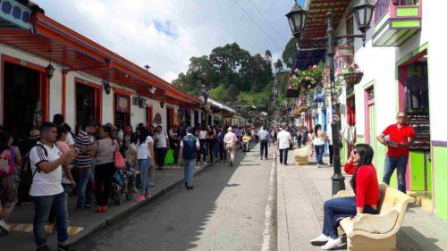 Rue principale animée de Salento