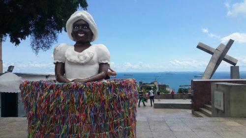 Statue de femme noire