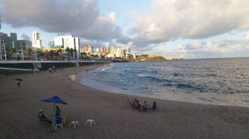 Groupe installés sur la plage